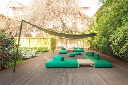 La nueva colección de mobiliario de Paola Lenti te invita a relajarte este verano