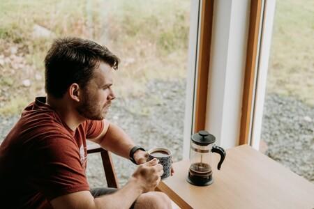 Qué es la prensa francesa y cómo hacer una taza de café con ella