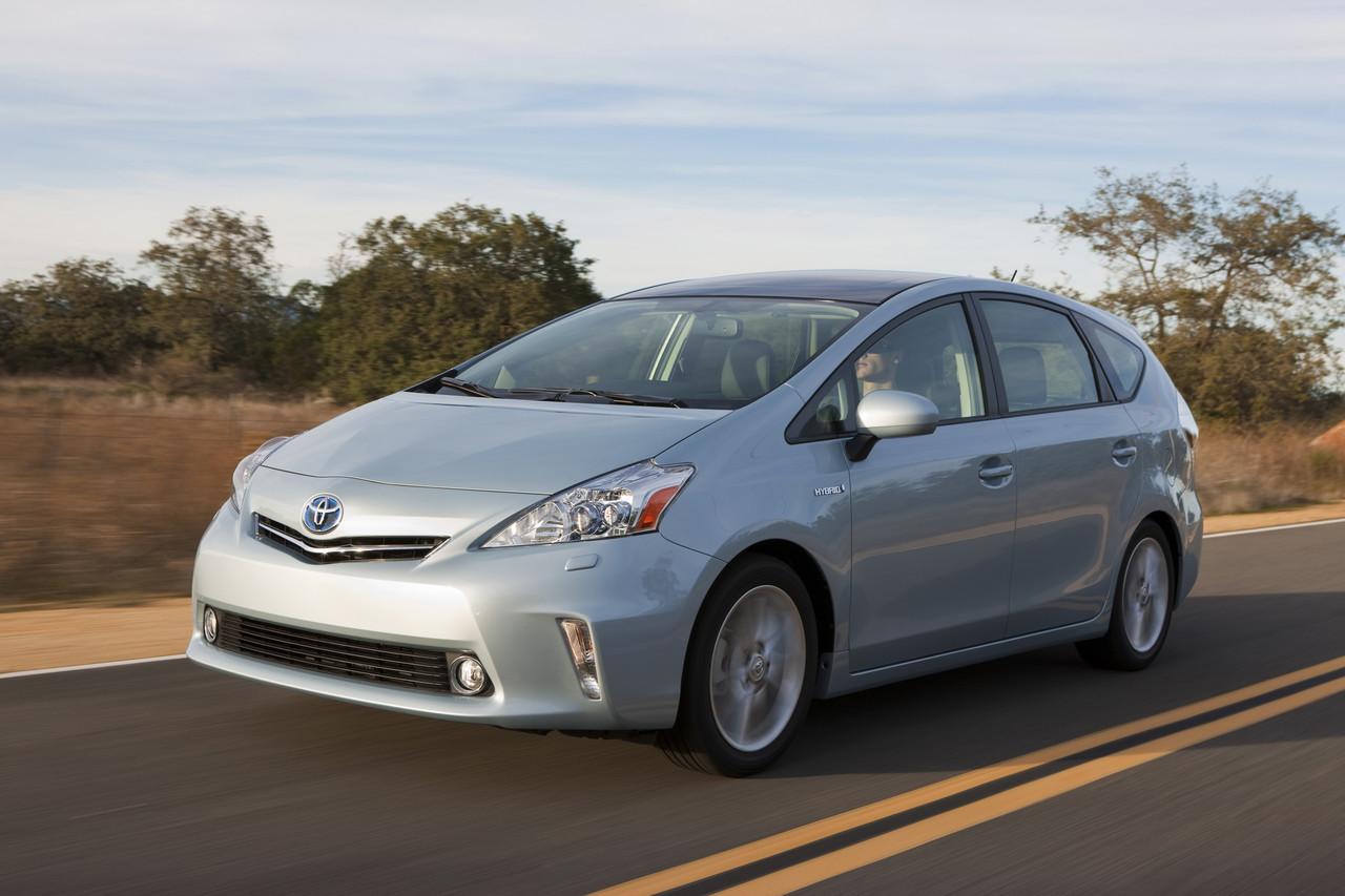 Foto de 2011 Toyota Prius v (33/77)