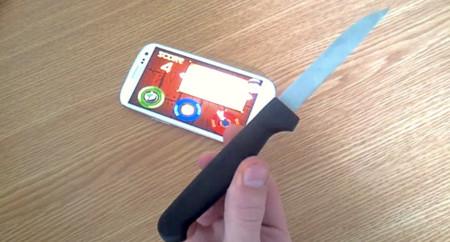La forma más realista de jugar a Fruit Ninja: con un cuchillo