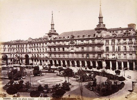 La Plaza Mayor De Madrid 3