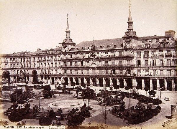 La Plaza Mayor De Madrid 3