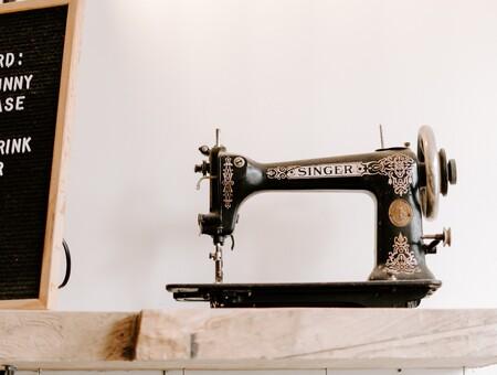 La máquina de coser Singer favorita de nuestras abuelas en su versión renovada (y rebajada) que encontramos en Amazon