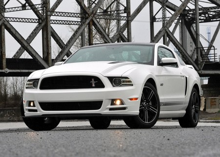 Ford Mustang Gt 2013 1600 01