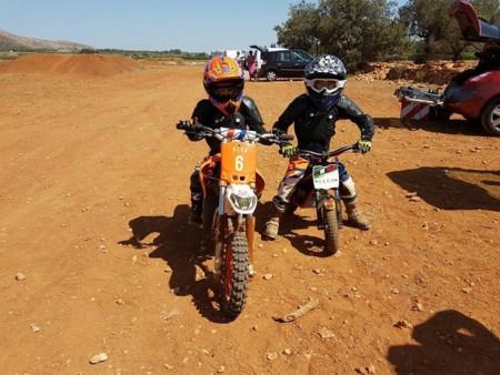 Casco Rojo Escuela Motociclismo 7
