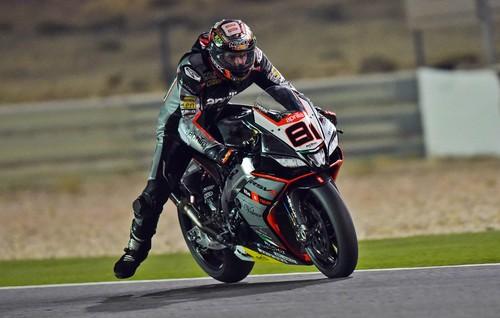 Jordi Torres gana de forma magistral su primera carrera de Superbikes en Catar