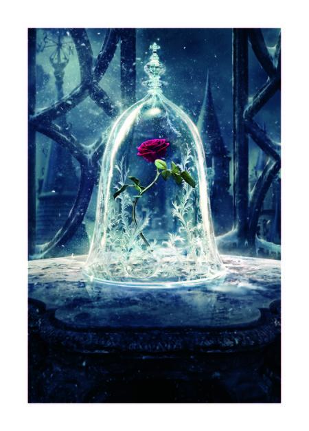 'La Bella y la Bestia', un película inundada de cristales de Swarovski
