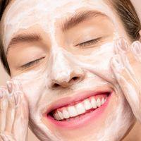 Quédate en casa y aprovecha para tratar tus impurezas faciales con estos 3 tratamientos de farmacia vendidos en Amazon