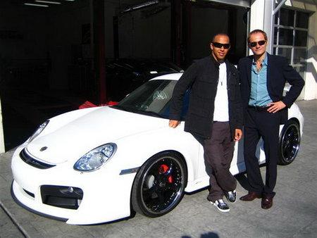 Hamilton busca coche en Los Angeles: ¿qué tal un Porsche Techart?