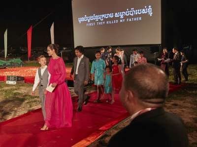 Angelina Jolie vuelve a la alfombra roja