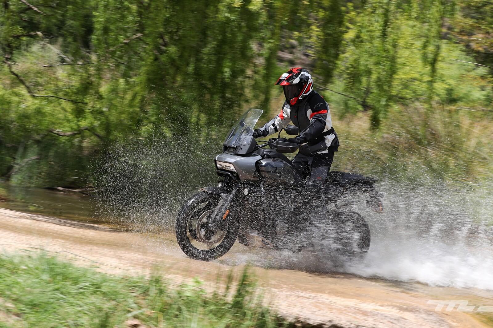 Foto de Harley-Davidson Pan America 1250 2021, prueba (1/55)