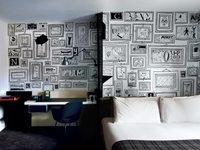¿Buena o mala idea? Una pared de impacto con 99 cuadros dibujados