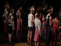 Miguel Palacio Primavera-Verano 2012: exótica elegancia