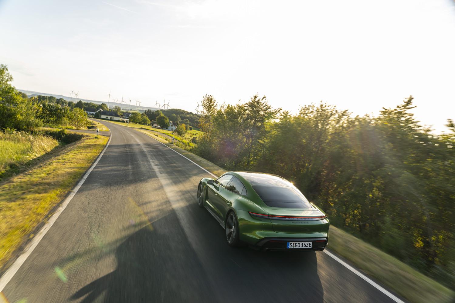 Foto de Porsche Taycan prueba contacto (234/275)