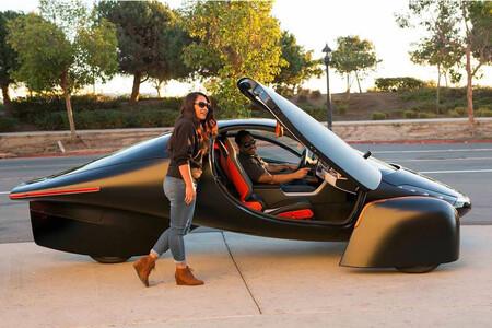 Aptera, un coche eléctrico solar que promete más de 1.600 km de autonomía y ya puede reservarse desde unos 21.000 euros