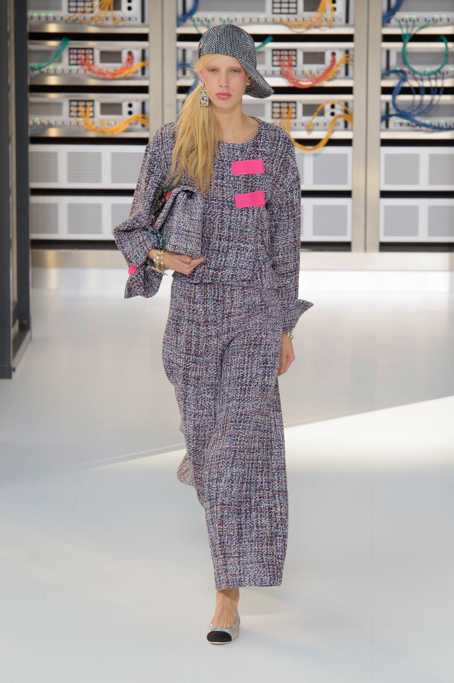 Foto de El regreso al futuro de Chanel en su colección Primavera-Verano 2017 (24/96)