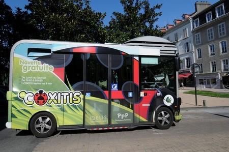 Pau prueba el minibús eléctrico Bolloré BlueBus
