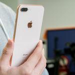 Apple podría bajar los precios del iPhone en algunos mercados debido al tipo de cambio, para ayudar a las ventas
