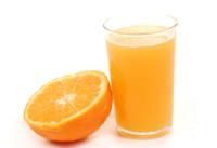Cinco razones para beber zumo de naranja natural