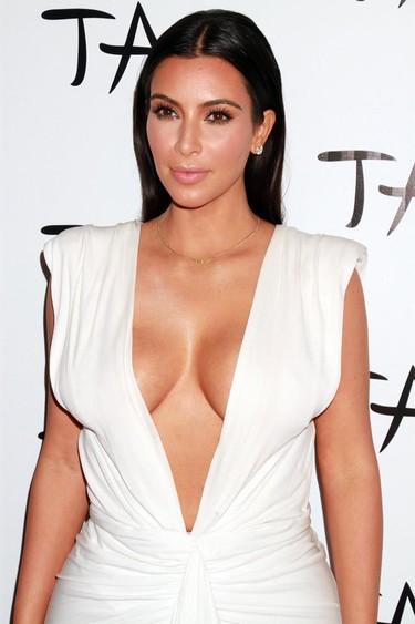 A Kim Kardashian no le importa cumplir años, ella sigue marcando y enseñando
