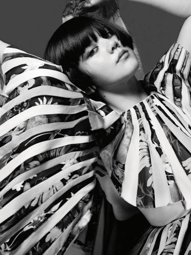 Foto de Las 28 mujeres que crean estilo: desde Mary-Kate y Ashley Olsen hasta Blake Lively para Another Magazine (19/26)