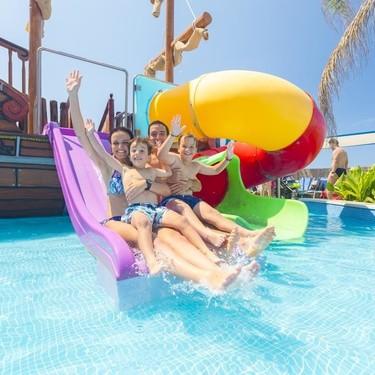Conciliar trabajo y familia en verano puede suponer un desembolso de mil euros al mes en España