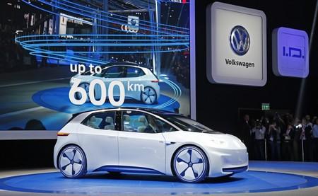 I D Concept Car At Paris Motor Show 2016 Small 5665