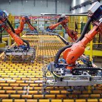 En esta fábrica china han sustituido al 90% del personal con robots, y la producción ha crecido un 250%