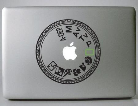 Tatuando tu MacBook con los diales de Nikon y Canon, para los fanáticos de su marca