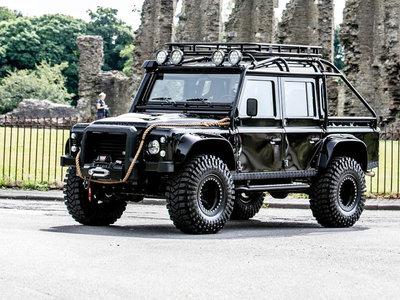 A subasta el Land Rover Defender SVX de la película Spectre