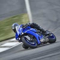 La nueva Yamaha YZF-R1 ya tiene precio, y arranca 2.500 euros por encima de la Kawasaki ZX-10R