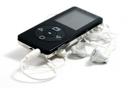 Handheld Mp3 Player With Earbud Headphones 2