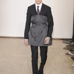 Foto 2 de 17 de la galería raf-simons-otono-invierno-20102011-en-la-semana-de-la-moda-de-paris en Trendencias Hombre