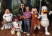Disney adquiere Lucasfilm: Star Wars Episodio VII en 2015.