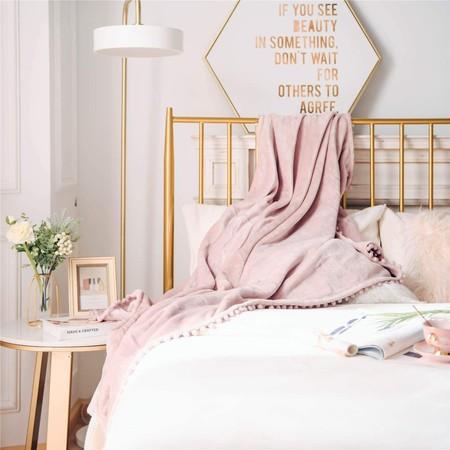 Sábanas, colchas, mantas, velas… todo lo que necesitas para inspirarte y hacer tu dormitorio el más acogedor