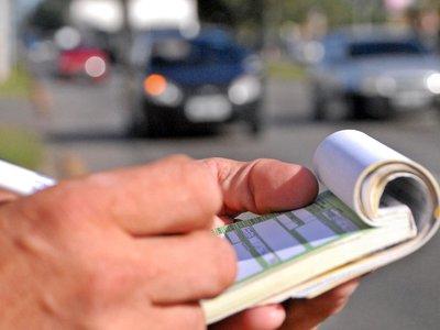 Casi 356 millones en multas y tasas aún más caras son las previsiones de la DGT para 2018