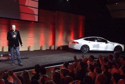 Elon Musk estima en cuatro meses la llegada del Tesla Model X y desestima la estación de cambio de baterías