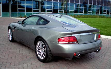 Aston Martin Vanquish V12 replica