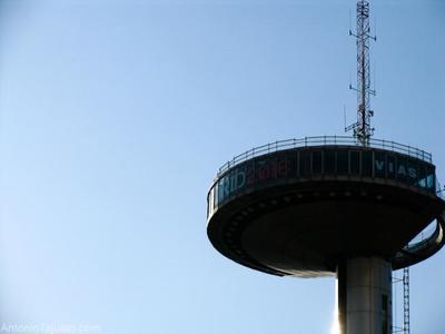 De Madrid al cielo, y para verlo... se reabre el Faro de Moncloa