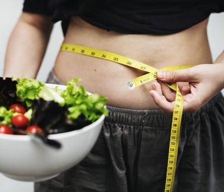 Si deseas reducir grasa abdominal, estas son las claves para que tu dieta te ayude a lograrlo
