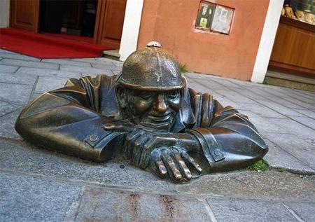 Las sorprendentes estatuas de Bratislava (Eslovaquia)