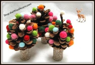 Manualidades de Navidad para niños hechas con piñas