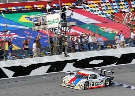 Grand-Am-Brumos-Porsche-victoria-meta.jpg