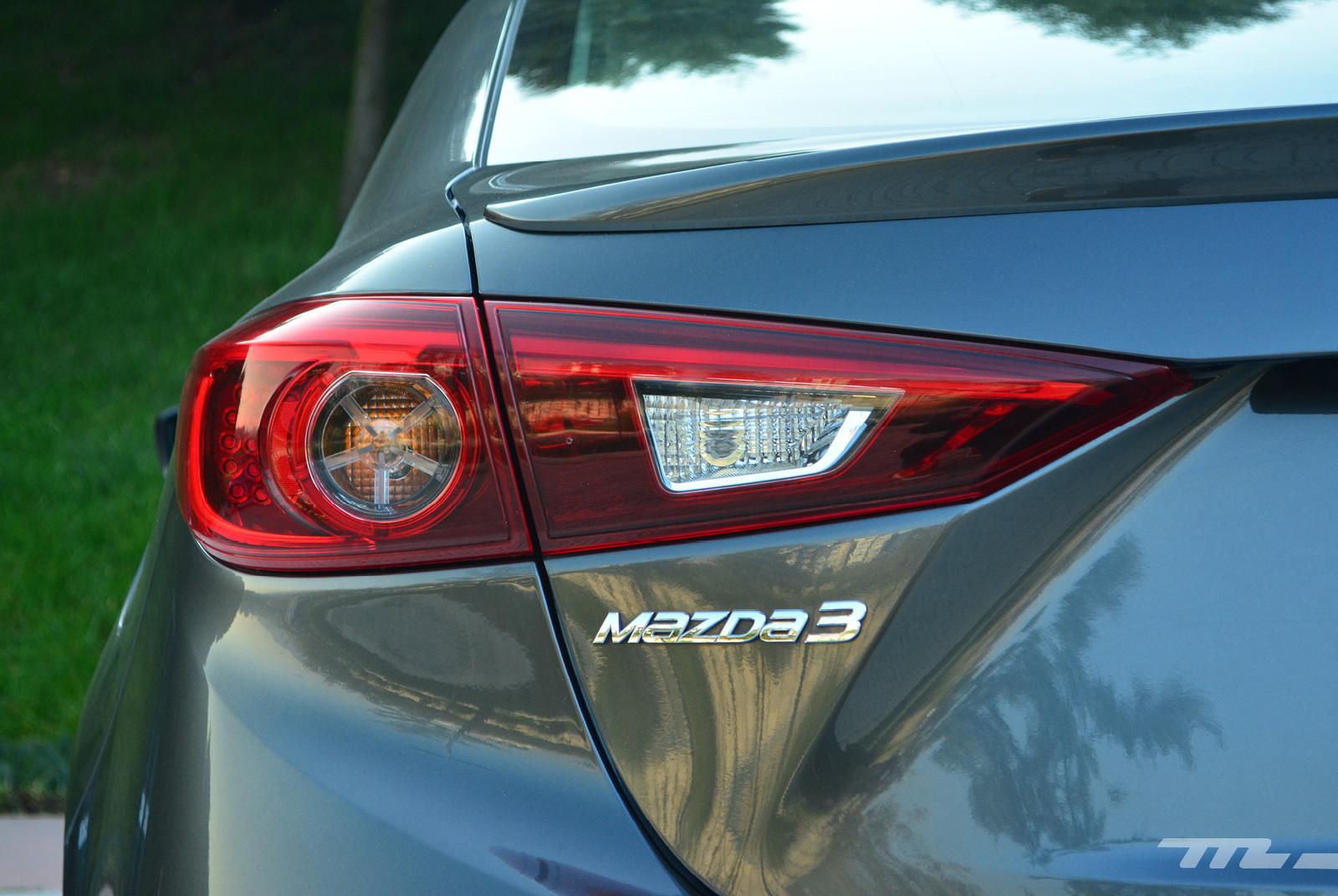 Foto de Comparativa: Mazda 3 2018 vs. KIA Forte vs. Volkswagen Jetta (31/31)