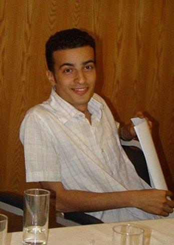 El bloguero egipcio condenado a tres años de prisión por criticar al Ejército lleva siete días en huelga de hambre