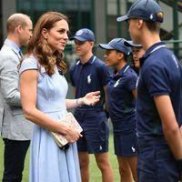 Kate Middleton vuelve a demuestra que el azul pastel es el tono favorito del verano en la final de Wimbledon