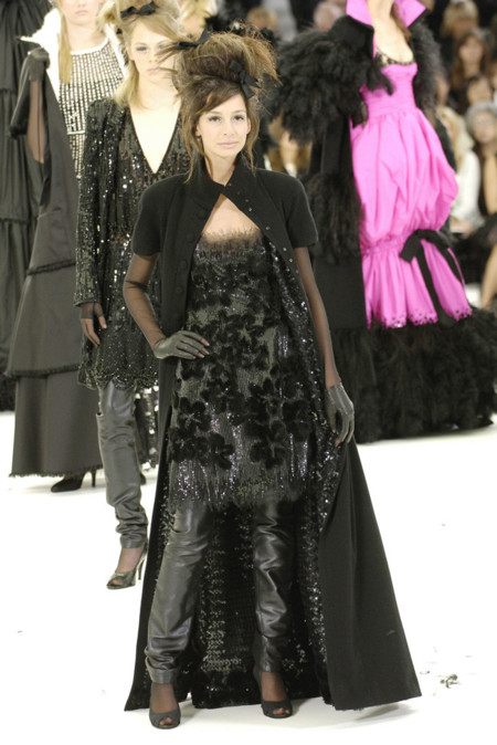 amanda sanchez chanel fall 2005 alta costura