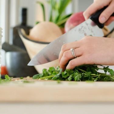 Cinco utensilios de cocina libres de tóxicos para que cocinar resulte seguro para nuestra salud