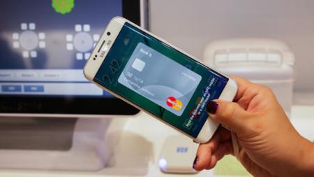Samsung Pay quiere que vacíes tu cartera por completo, no sólo de tarjetas de crédito