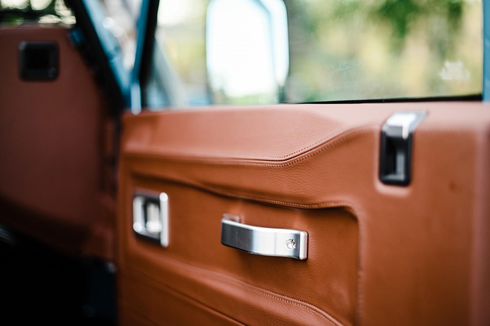 Foto de Land Rover Defender 90 por Osprey Custom Cars (16/22)